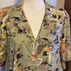 NWT: green floral button down shirt, 2X